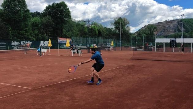 Auf den steirischen Tennisplätzen, wie hier in Judendorf, herrschte am Eröffnungstag Hochbetrieb. (Bild: Groicher)