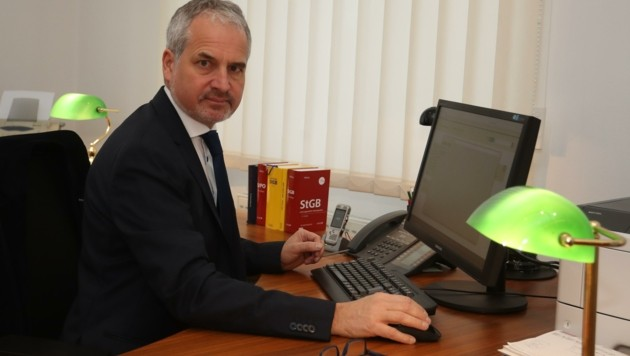Alois Ebner von der Staatsanwaltschaft Ried lässt ermitteln (Bild: Scharinger Daniel)