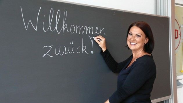 Im Grazer WIKU begrüßt Direktorin Ponsold heute 92 Maturanten (Bild: Christian Jauschowetz)