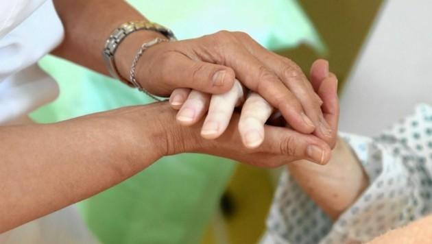 Die Pflege von Menschen zu Hause wäre ohne Pflegekräfte aus dem Ausland nicht möglich.