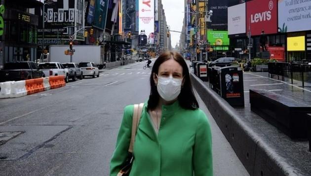 Petra Mayer-Linnehan am fast menschenleeren Times-Square. (Bild: zvg)