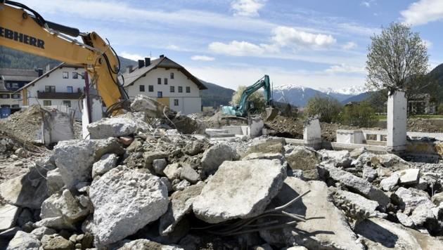 Die Abbrucharbeiten am alten Haus sind nun abgeschlossen (Bild: Holitzky Roland)