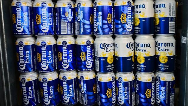 Weil seit einem Monat nicht mehr gebraut wird, geht den Mexikanern das Corona-Bier aus. (Bild: AFP)