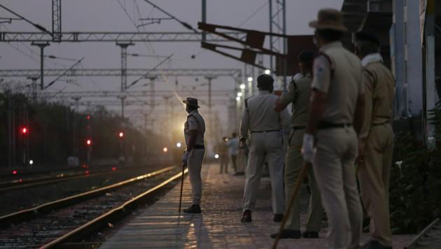 Beamte der Bahnschutztruppe (Symbolbild) (Bild: AFP)