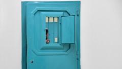 Mafiosi in Hausarrest sollen wieder hinter Gitter. (Bild: AFP)
