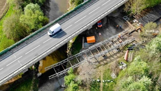 Es wird wieder vielfach gebaut, etwa bei der Raabbrücke in Gleisdorf (Bild: STED)