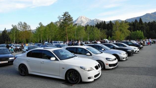 Der Parkplatz ist voll. (Bild: SOBE HERMANN 9232 ROSEGG)