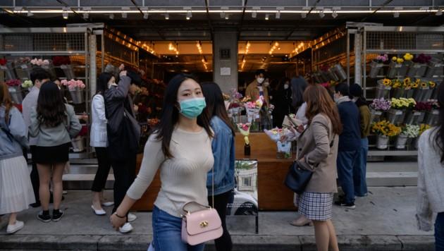 Das Leben ist wieder in Schwung gekommen, doch nun steigt auch die Zahl der Neuansteckungen. (Bild: AFP)