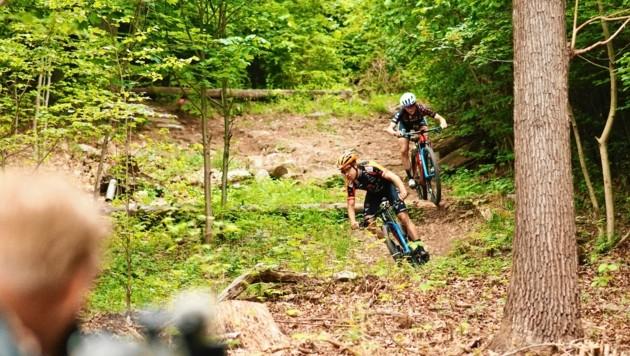 Die Mountainbiker Max Foidl und Lisa Pasteiner genießen die steirischen Trainingsmöglichkeiten. (Bild: Bernd Gruber)