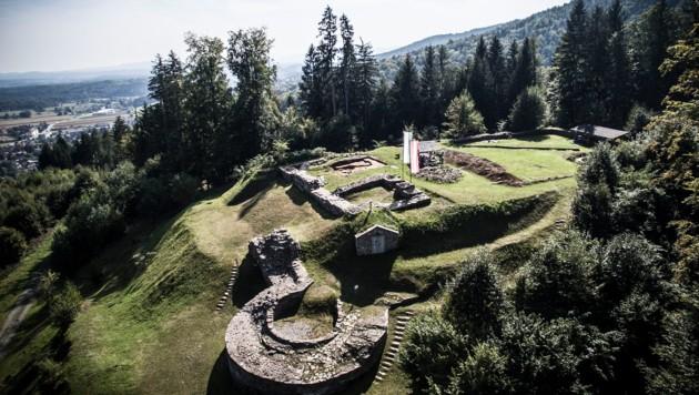 Ein Drohnenfoto der Burg Schwanberg. (Bild: ASIST)