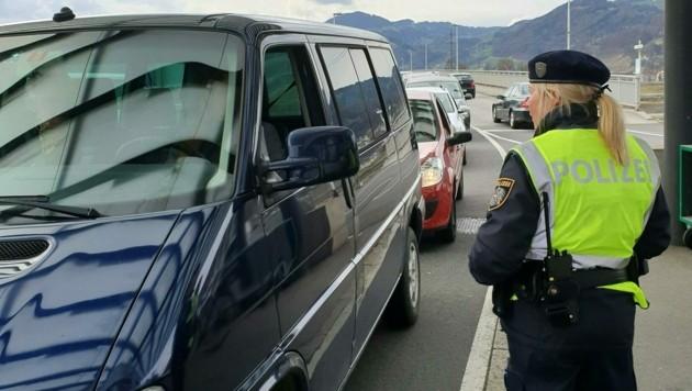 Am 14. März wurden die Grenzkontrollen zwischen Vorarlberg und der Schweiz aufgenommen. (Bild: APA/JOCHEN HOFER)