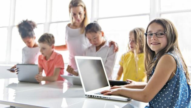 76 von 380 Wiener Pflichtschulen haben heute WLAN (Bild: stock.adobe.com)