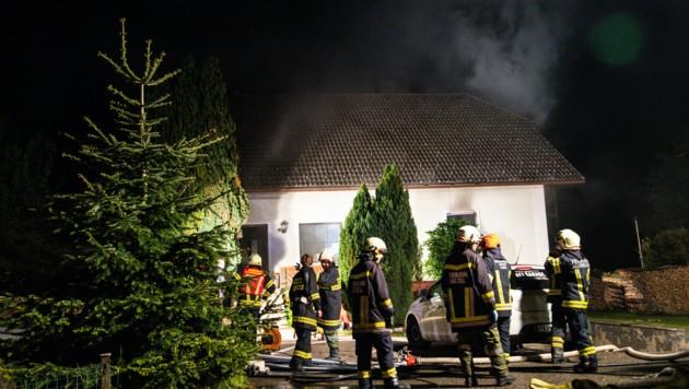 Ein 67-Jähriger starb beim Brand. (Bild: FOTOKERSCHI.AT / BRANDSTÄTTER)