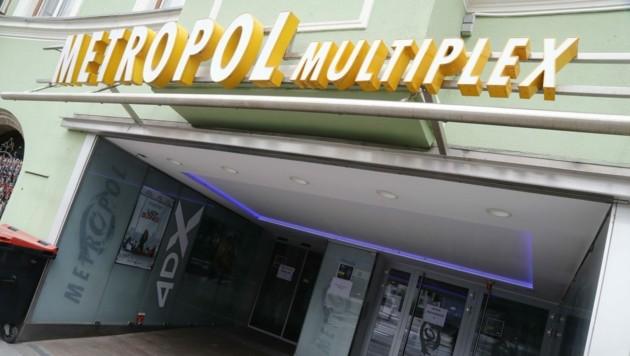Die Pforten des Metropol Kinos Innsbruck bleiben geschlossen - zum Leidwesen vieler Tiroler. (Bild: Birbaumer Christof)