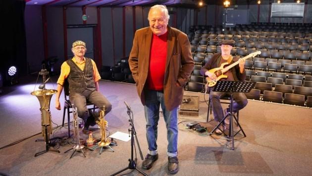 Reinhard P. Gruber mit Christoph Wundrack und Reinhold Kogler auf der Art Steiermark Kulturbühne (Bild: ©Schilhan/ORF)