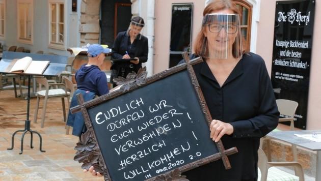 """Edith Seitinger freut sich, wieder in ihre Grazer """"Herzl"""" einladen zu können. (Bild: Christian Jauschowetz)"""