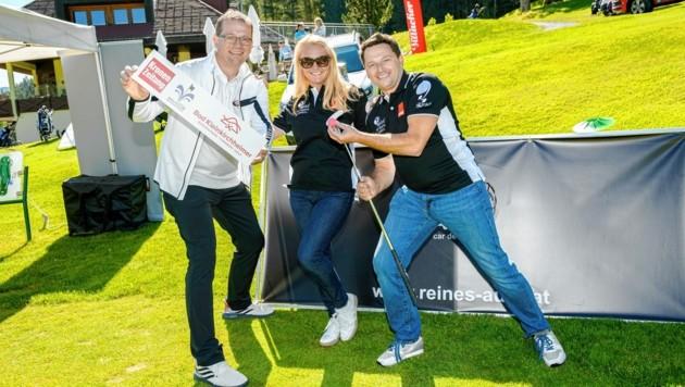 Organisator König (li.) golft wieder; allerdings mit Abstand... (Bild: Kronen Zeitung)