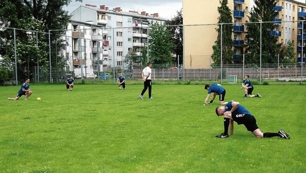 Die Grazer Handballer trainieren aktuell wieder im Freien (Bild: © Elmar Gubisch)