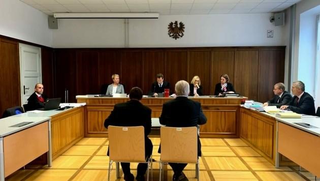 Bezirkshauptmann Heinz Pansi und ein leitender Beamter wurden wegen Fehlern bei der Hofburg-Stichwahl Ende 2019 verurteilt. Der Oberste Gerichtshof bestätigte den Schuldspruch. (Bild: Wassermann Kerstin)