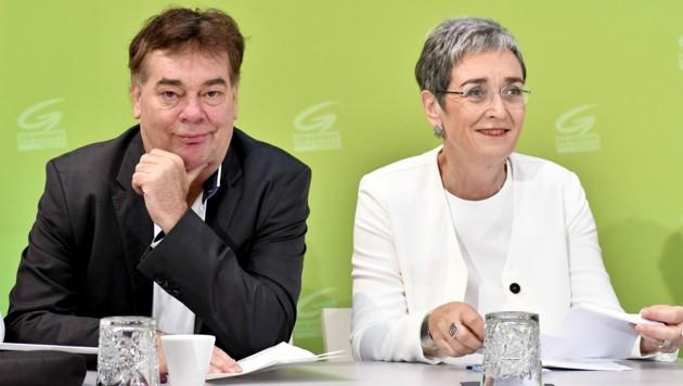 Werner Kogler und Ulrike Lunacek (Bild: APA/HERBERT NEUBAUER)