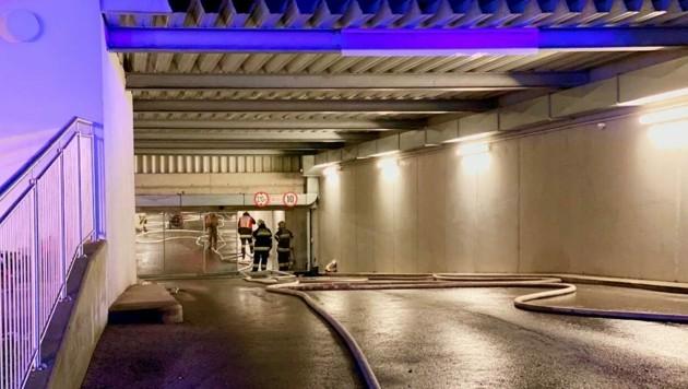 Die Feuerwehr musste in der Tiefgarage löschen (Symbolbild) (Bild: FF St. Peter Klagenfurt)