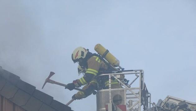 Großbrand am Buchberg in Mattse (Bild: BFKD Flachgau/Dominik Repaski)