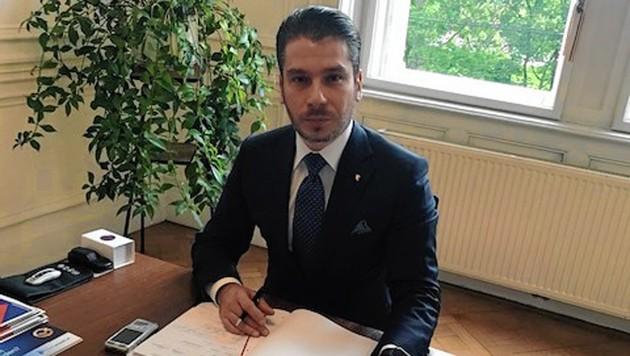 Constantin-Adrian Nitu, der Anwalt der Familie des Mädchens (Bild: Martina Prewein)