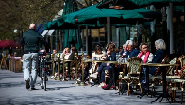 Schweden ging während des Höhepunkts der Corona-Pandemie in Europa und ließ Cafés, Bars und Restaurants geöffnet. Die Todeszahlen in Schweden übersteigen die anderer skandinavischer Länder. (Bild: AFP)