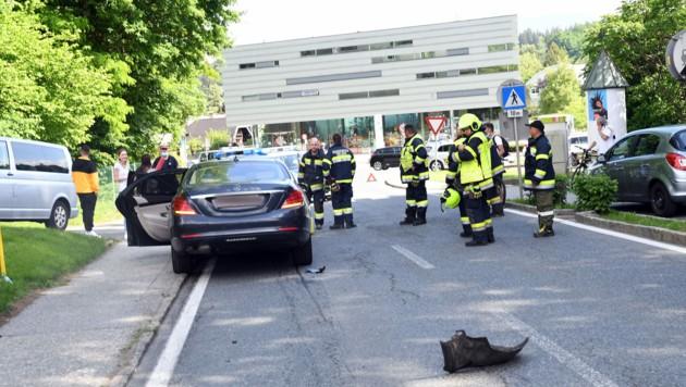 In Köstenberger Straße prallten drei Autos zusammen. (Bild: SOBE HERMANN 9232 ROSEGG)
