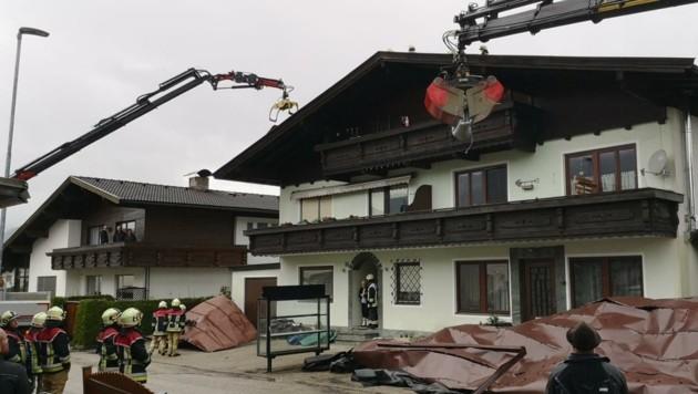 In Ebbs in Tirol wurde ein Haus abgedeckt. (Bild: ZOOM.TIROL)