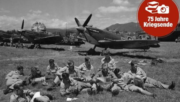 """Britische Flieger mit ihren """"Spitfires"""" und """"Hawker Hurricanes"""" am Flughafen in Klagenfurt im Sommer 1945. (Bild: AAvK)"""