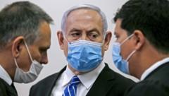Israels Premierminister Netanyahu hat Corona-Sorgen - die haben auch auf Salzburg Einfluss (Bild: AFP)