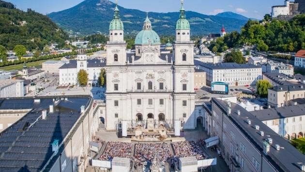 """1250 Gäste dürfen nach den derzeitigen Bestimmungen mit dem """"Jedermann"""" am Domplatz 100. Geburtstag feiern. (Bild: Franz Neumayr)"""