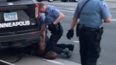 Vier Polizisten waren Teil der tödlichen Festnahme in Minneapolis. (Bild: AFP/Darnella Frazier via Facebook)