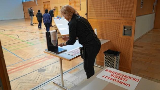Am 13. März fand trotz Corona der vorgezogene Wahltag statt (Bild: Sepp Pail)