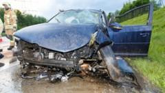 Am Donnerstagabend kam es gegen 20 Uhr zum Schleuderunfall auf der A14 in Fahrtrichtung Deutschland. (Bild: Bernd Hofmeister)