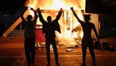 Wegen der Eskalation der Gewalt in Atlanta hat der Gouverneur von Georgia den Ausnahmezustand verhängt. (Bild: AP)