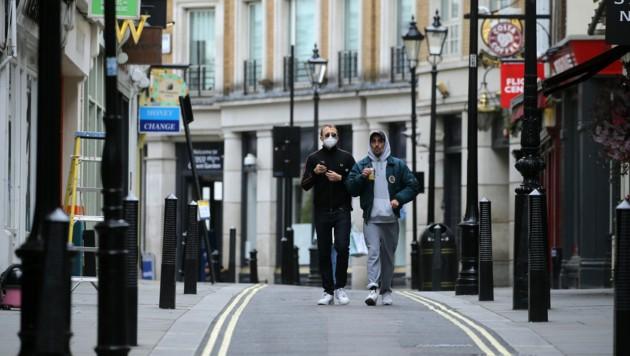 Experten in England warnen vor einer verfrühten Lockerung der Corona-Maßnahmen. (Bild: AFP)