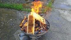 Erst im Vorjahr musste ein Imker seine befallenen Bienenwaben verbrennen. (Bild: zVg)