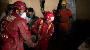 Viele Häuser wurden wegen der Wucht des Tropensturms zerstört. (Bild: AFP)