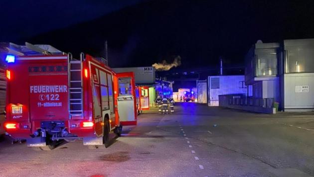 Drei Feuerwehren löschten den Brand. (Bild: FF Althofen)
