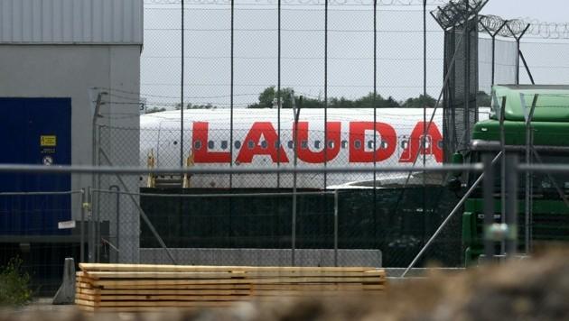 Die Ryanair-Tochter Laudamotion hat die Basis in Wien am 29. Mai geschlossen, nachdem keine Einigung mit der Gewerkschaft vida über die Einführung eines neuen Kollektivvertrags erzielt werden konnte. (Bild: APA/HELMUT FOHRINGER)