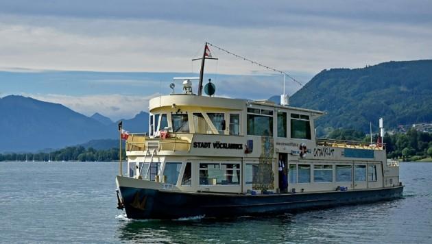 Im Sommer werden auf dem größten Schiff der Flotte, der Stadt Vöcklabruck, täglich Frühstücksfahrten angeboten. Die Kapazität der Sitzplätze wurde halbiert. (Bild: Markus Wenzel)