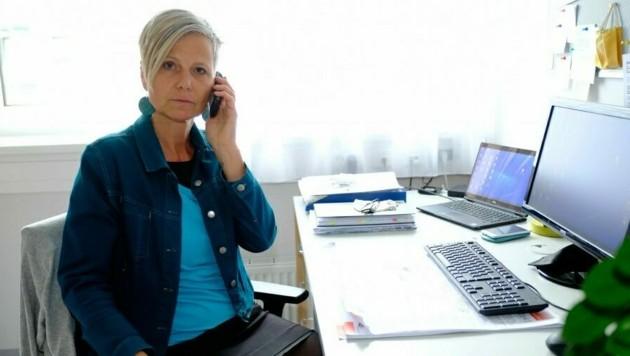 Sonja Hörmanseder ist Leiterin der Krisenhilfe OÖ, die eine 24-Stunden-Hotline anbietet. (Bild: Horst Einöder)