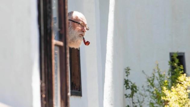 Die vergangenen drei Sommer lebte der Belgier Stan Vanuytrecht (61) in der Klause. (Bild: www.neumayr.cc)
