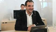 """""""Falter""""-Chefredakteur Florian Klenk vor dem Ibiza-U-Ausschuss (Bild: APA/HELMUT FOHRINGER)"""