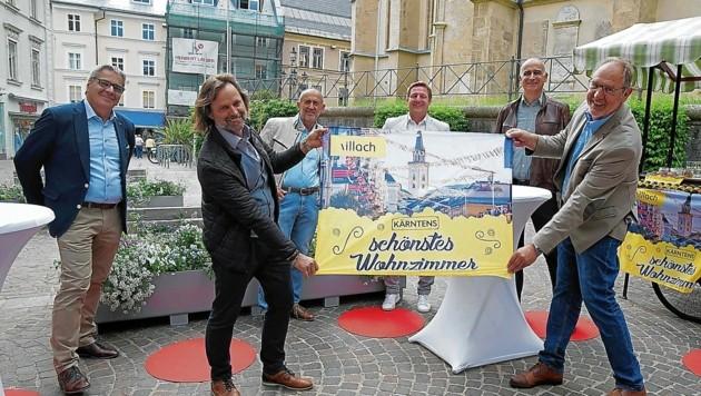 Vertreter von Politik, Stadtmarketing, Tourismus & Wirtschaft präsentierten das Programm (Bild: Oskar Höher)