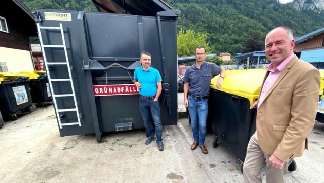 Bürgermeister Alexander Stangassinger mit Wirtschaftshofleiter Michael Stangassinger und dem Abfallexperten Helmut Timin (Bild: STG HA)