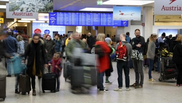 Noch Mitte Februar platzte der Flughafen aus allen Nähten. Derzeit ist Abflughalle coronabedingt die meiste Zeit leer. (Bild: Tröster Andreas)