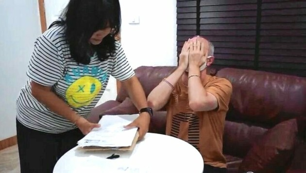 Verzweifelt: Betrugsopfer Gerhard P. hat in seiner Wahlheimat Thailand fast alles verloren. (Bild: sanook.com)